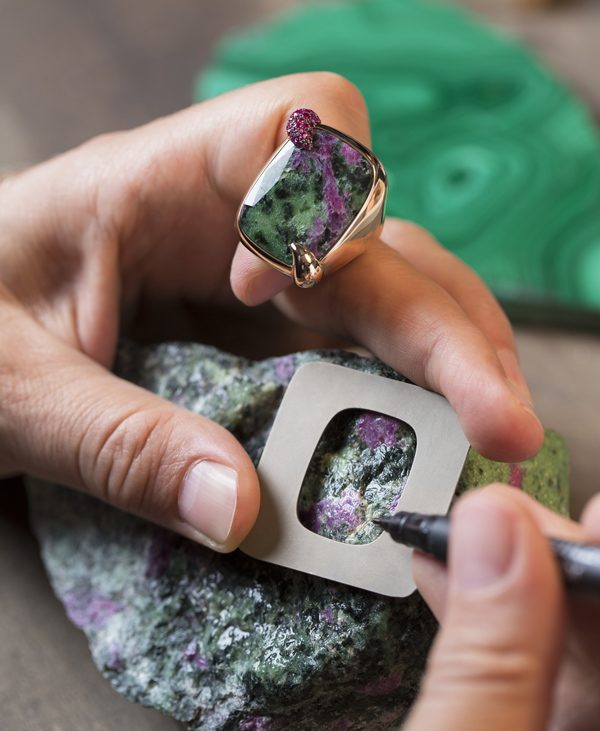 11. Secret Garden with raw zoisite & ruby - making of