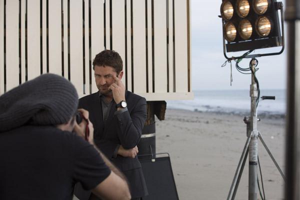 L'acteur Gerard Butler prend la pose pour les montres Festina