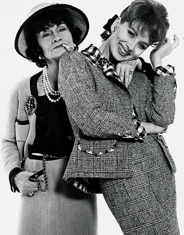 Photo par Richard Avedon, Gabrielle Chanel et Suzy Parker en Janvier 1959