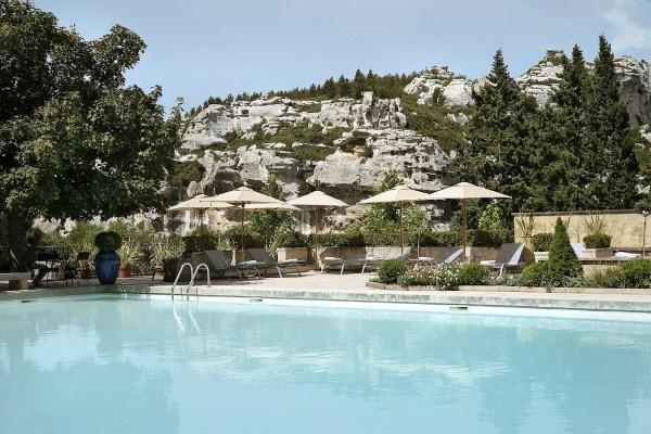 Baumaniere-L-Oustau-piscine-2