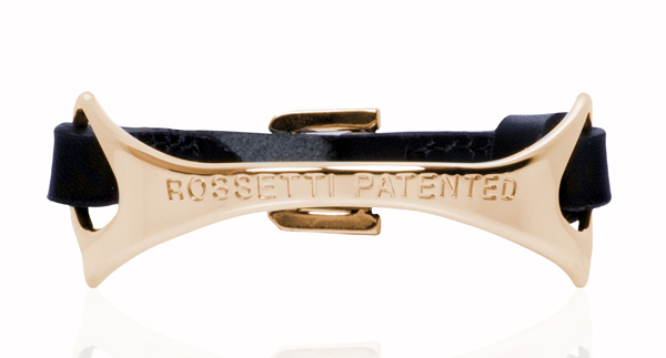Le bracelet Magenta de Fratelli Rossetti rappelle les formes de l'étrier Rosetti patented
