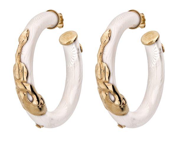 Cr+®oles Cobra en ac+®tate blanc et m+®tal dor+® +á l'or fin 24 carats 150Ôé¼ Gas Bijoux