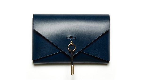 DOMESTIQUE - Sac Envelope Purse - 470€