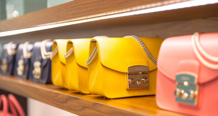 Furla investit l'atrium du Printemps de la Mode