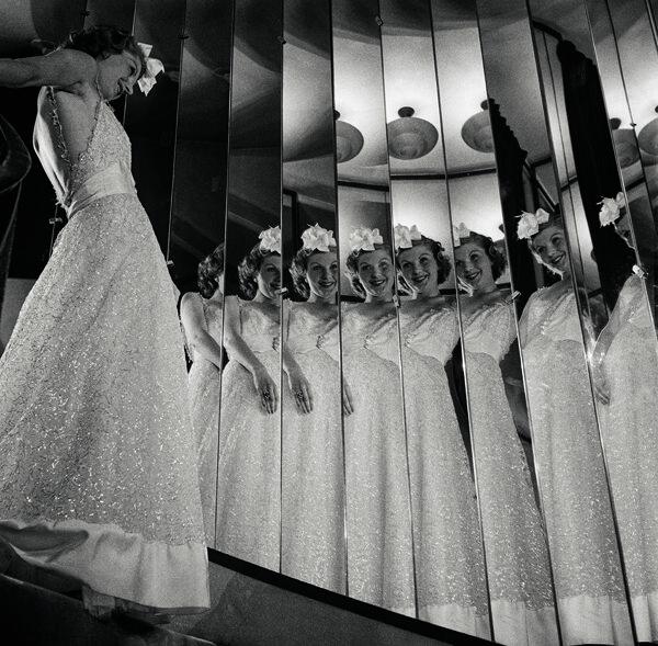 Photo de François Kollar Photographie publiée dans Harper's Bazaar en septembre 1937