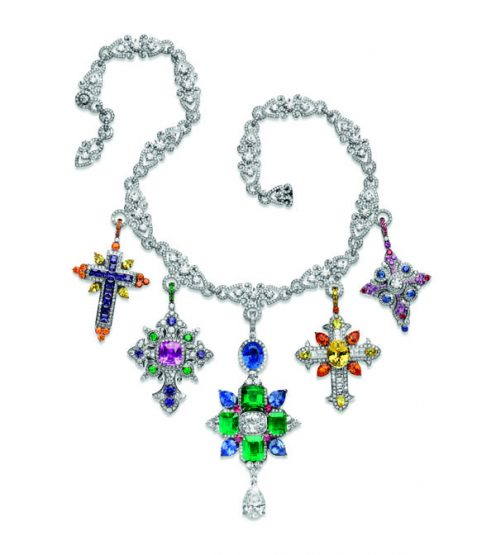 Le collier Rosa dei Venti qui nous emporte