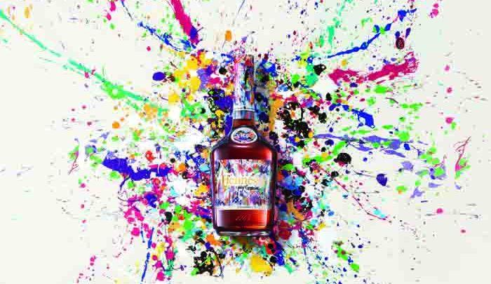 L'Artiste JonOne colore l'édition limitée Hennessy VS