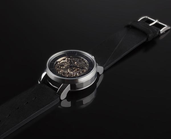 Rehab 360L, la nouvelle montre de FOB Paris