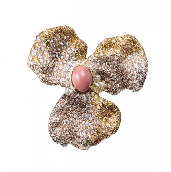 [Image] CINDY CHAO The Art Jewel White Label_Four Seasons Collection Conch Pearl Floral Brooch 02