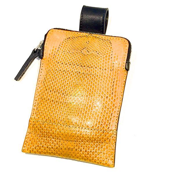 JOHN RIBBE - Pochette portable serpent d'eau douce jaune - 110€