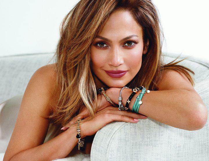 Jennifer Lopez égérie des bijoux Endless
