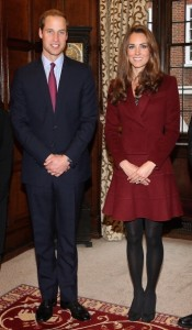 La Duchesse de Cambridge Kate Middleton en look Paule Ka