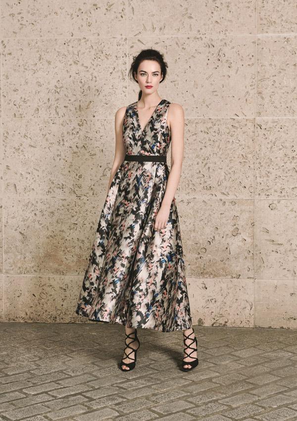 L.K.BENNETT -Robe Juana Marble print 475€ et Sandales Lucia Black side 325 €
