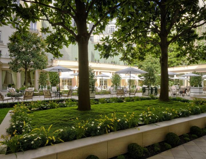 Le Bristol : meilleur hôtel de luxe en France