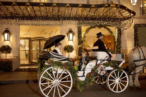 La calèche de Noël du Bristol Paris