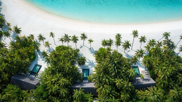 OneAndOnly_ReethiRah_Accommodation_BeachVillasWithPool_Aerial-2_HR-2