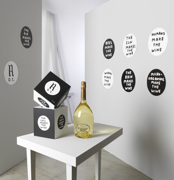 Ruinart-Blanc-de-Blancs-300-Beautyshot-David-Shrigley-Limited-Edition-Coffret4
