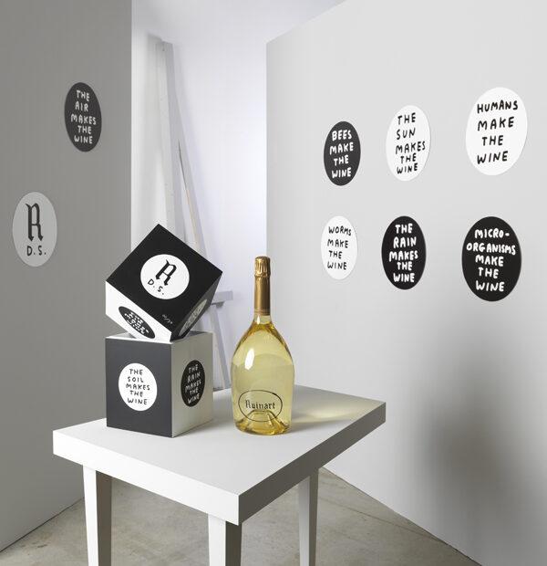 Ruinart-Blanc-de-Blancs-300-Beautyshot-David-Shrigley-Limited-Edition-Coffret4