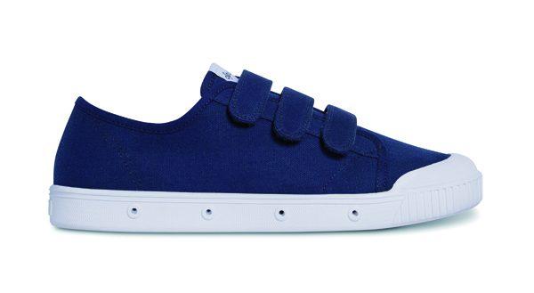 SPRING COURT – Baskets en coton bleu marine – 89 €