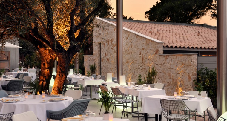 Les restaurant Colette à St-Tropez change de formule
