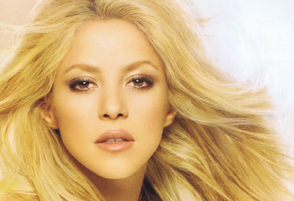 Shakira lance sa ligne de parfums