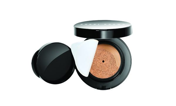Skin_Cushion_Compact_Foundation_4_Open_Peeled_SS16_CMYK copie