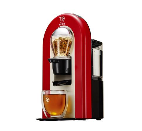 T.O BY LIPTON - Machine à thé rouge flamme 179€