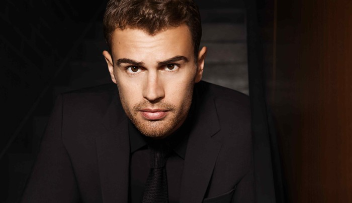 Theo James, nouvel ambassadeur des parfums BOSS