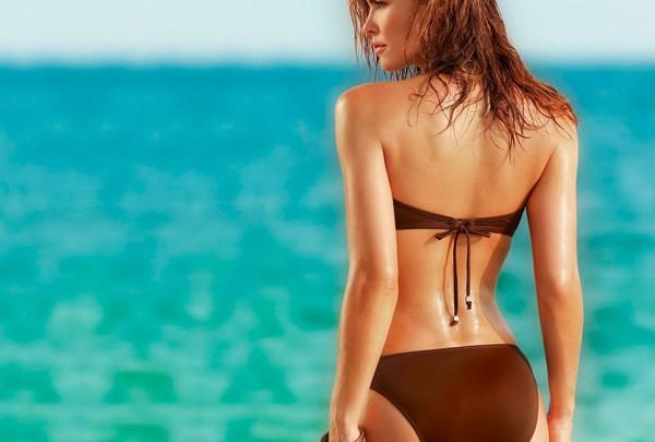 Les indispensables de la Femme pour partir au soleil