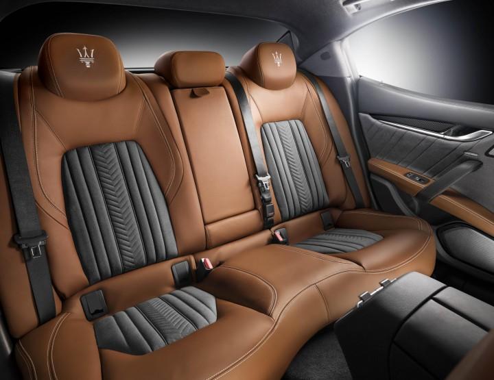Zegna se pose dans la Maserati Ghibli