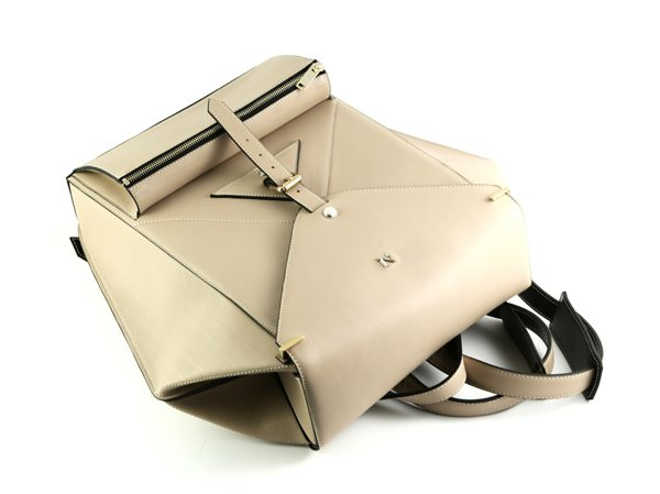 nicolas-theil-fw1617-hexane-backpack-beige-05