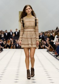 Burberry Womenswear S_S16 Collection - Look 18