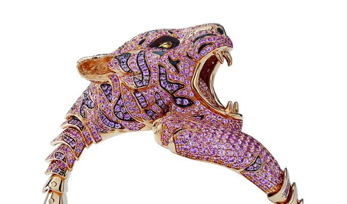 Un tigre en saphirs roses chez Roberto Coin
