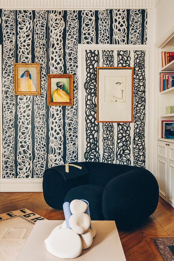 une création Atelier Baptiste & Jaïna au milieu de celles d'Hilton McConnico