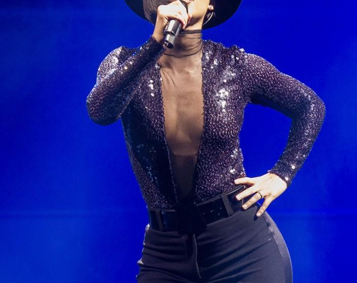 La sublime Alicia Keys en AKRIS